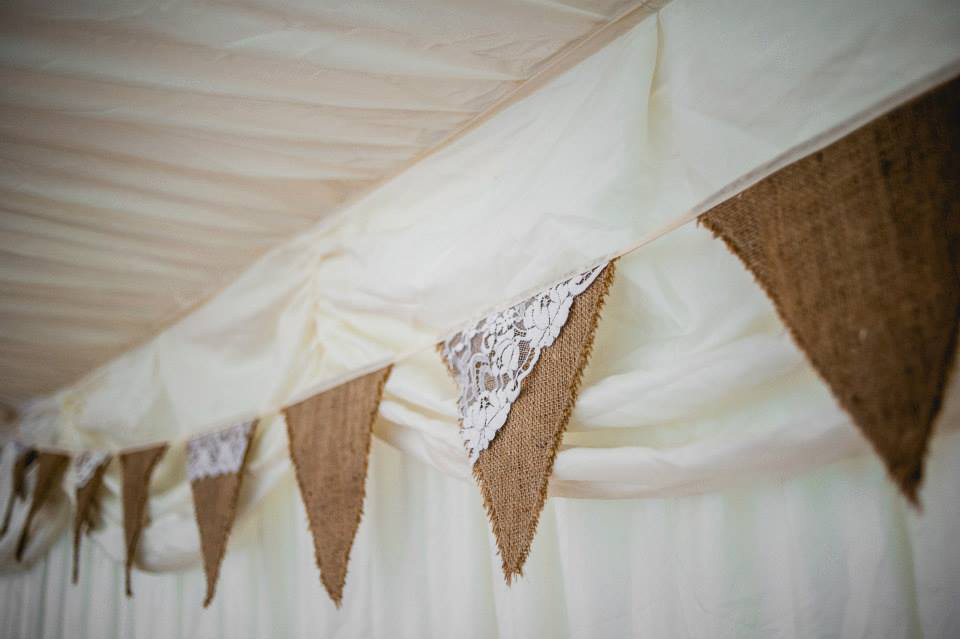 rustic wedding bunting, barn wedding bunting, how to pitch to journalists,