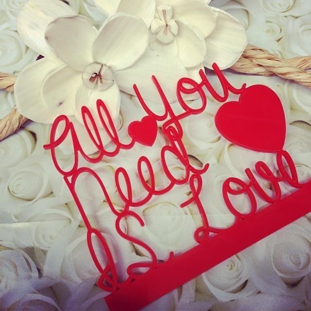 cake topper, rock n roll wedding, alternative wedding, bright wedding, colourful wedding, competition, giveaway