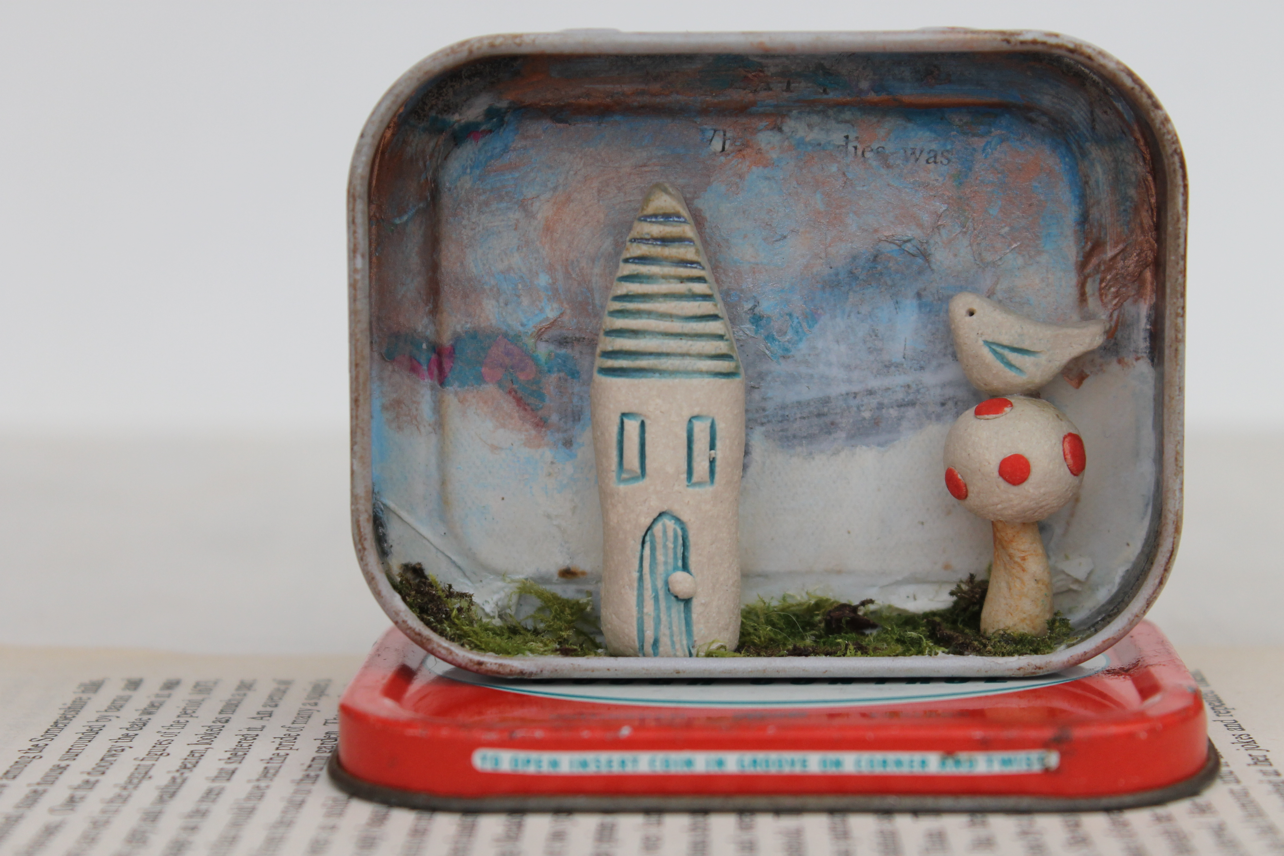 how to photograph ceramics, product photography tips, jessica catherine, mixed media tin, pixie cottage