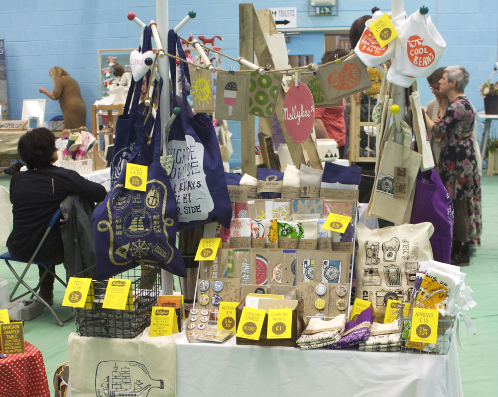 how to display your work at a craft fair, mellybee, market stall display ideas