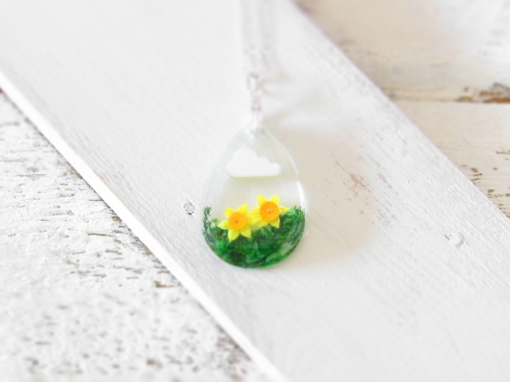 daffodil necklace, real flower jewellery