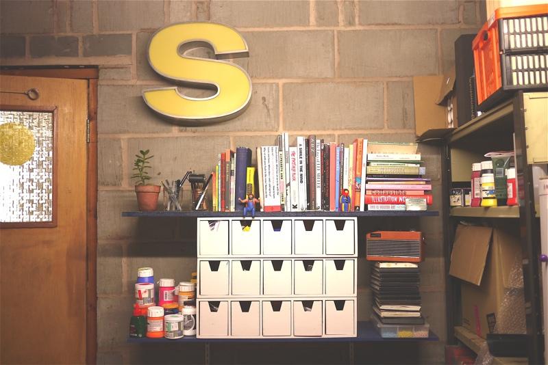 sianuska studio tour, sian kellaway interview, screen printing studio, studio inspiration, yellow letter s, theatrical lettering