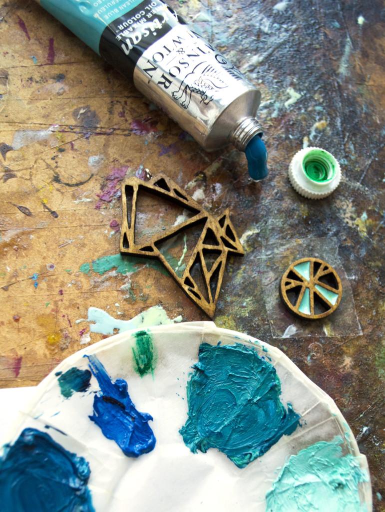 making resin jewellery