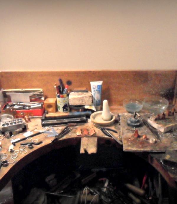 studio jeweller