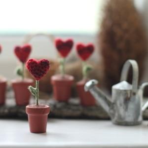 miniature crochet heart
