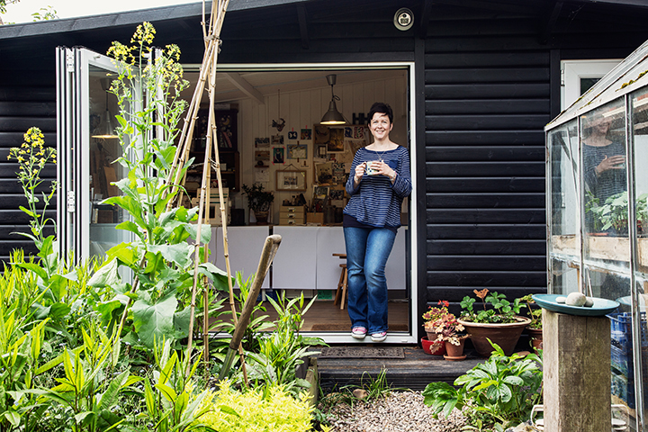 British artists, Helen Hallows, garden studio