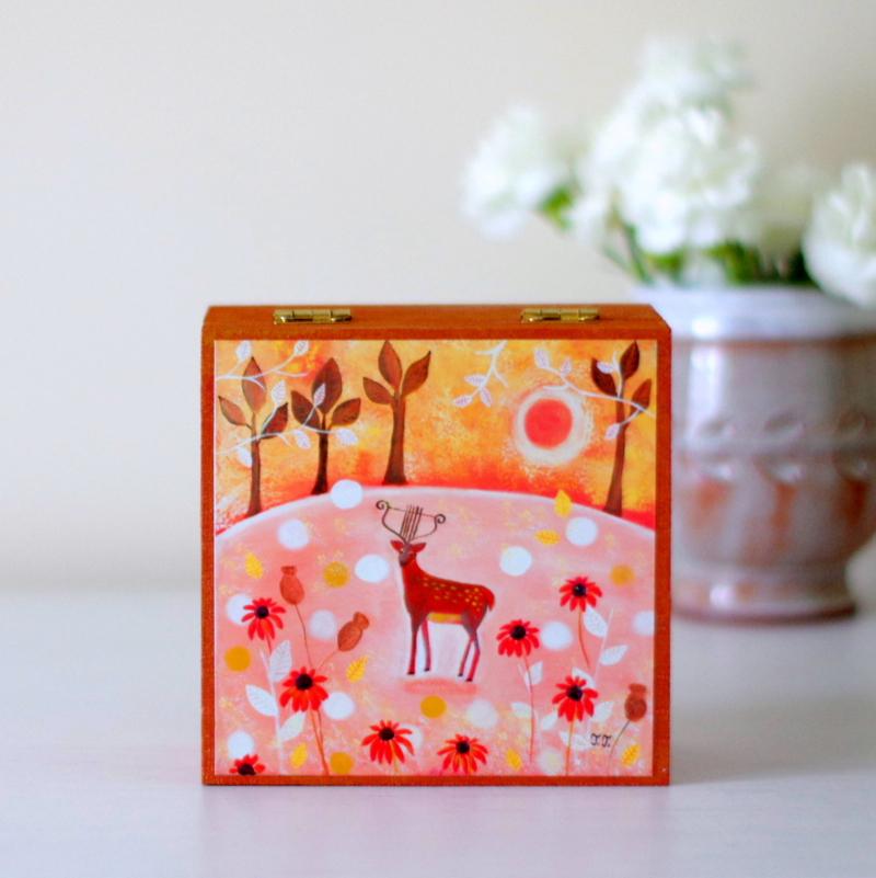 artist jewellery box, painted jewellery box, Teodora Paintings, Romania artist, Devon artist,