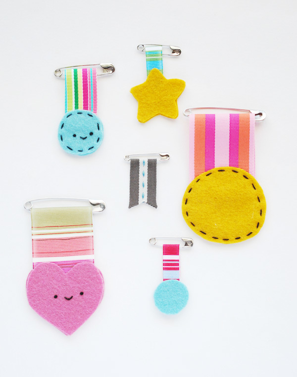DIY gifts for teachers, medals for teachers, teacher medal