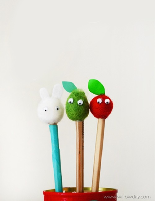 DIY gifts for teachers, apple pompom, pencil