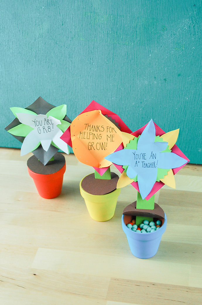 DIY gifts for teachers, paper flower pot
