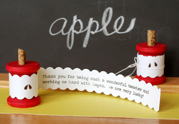 DIY gifts for teachers, apple bobbin, apple spool