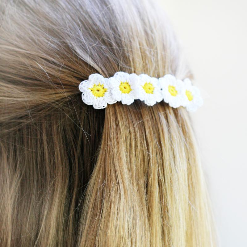 daisy crochet, daisy flower crochet, crochet hair slide, daisy hair accessory