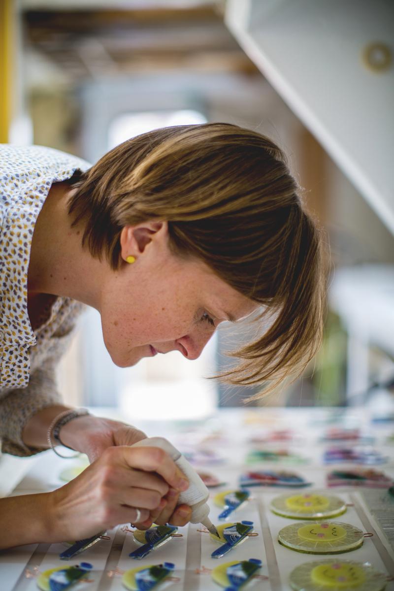 sarah myatt, british glass artist, fused glass, glass artist,