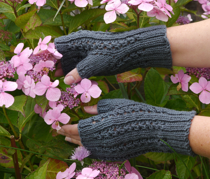 knitted grey fingerless gloves, hand-knitted grey gloves,
