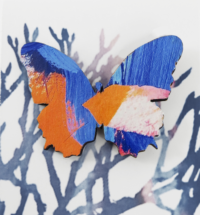 Justine Nettleton, painter, paintings, jewellery, interview, butterfly brooch, wooden brooch, wooden butterfly brooch,