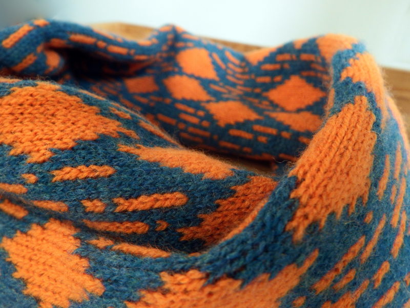 orange and teal knit, orange and teal, knitted scarf, knitted snood, sprig knitwear,