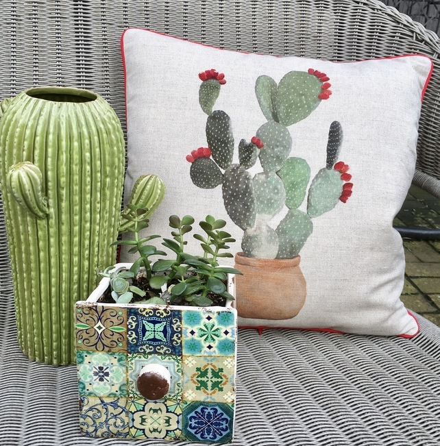 gift ideas for gardeners, gifts for gardeners, gifts for gardener uk, unique gift ideas for gardeners, handmade gift ideas, shop small, cactus cushion,