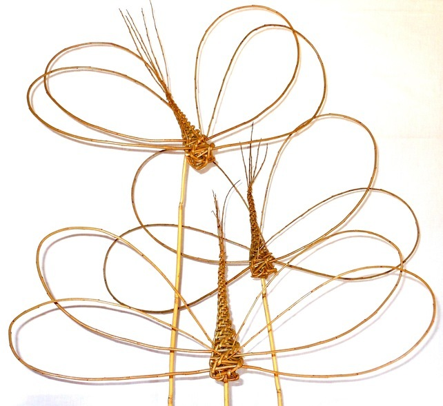 willow dragonfly, willow dragonflies, gift ideas for gardeners, gifts for gardeners, gifts for gardener uk, unique gift ideas for gardeners, handmade gift ideas, shop small,