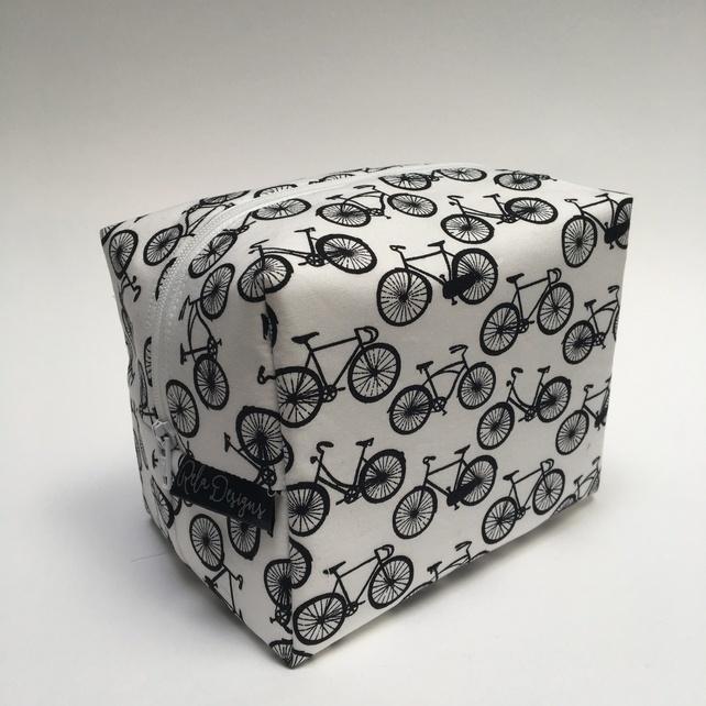 bike washbag, bicycle washbag, gifts for cyclists, cyclist gifts,