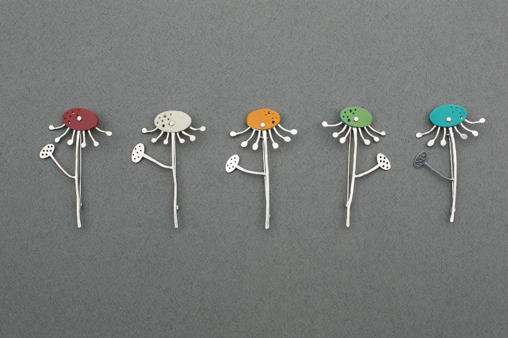 daisy brooch, daisy pins, Charlotte Whitmore Jewellery Designer, Charlotte Whitmore Jewellery, Charlotte Whitmore,