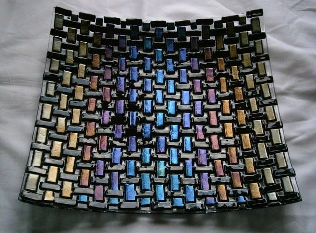 Woven glass dish