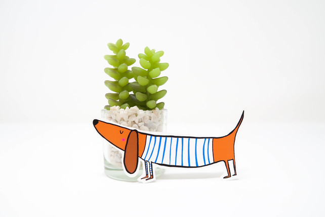 best gifts for dog lovers, gifts for dog lovers, dog gift ideas, sausage dog sticker,