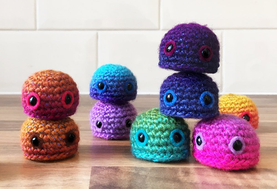 Yarntistry, Lou Barnes, craft and mental health, mental health, crochet, amigurumi, Simply Crochet host,