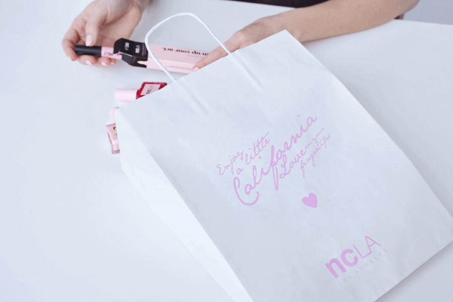 custom paper bag, packaging ideas, custom packaging, brand building, branding, packaging, packaging tips, selling tips,