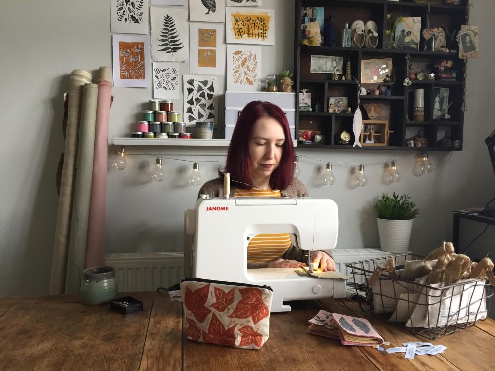 rose agar, rose agar design, printmaker, hand printed bags, lino prints, hand printed make-up bags, hand-printed fabric, hand-printed textiles,