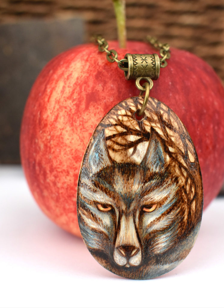 wolf necklace, wolf pyrography, pyrography gifts, pyrography artist, pyrography jewellery, SarahDesigns, Sarah Bell,
