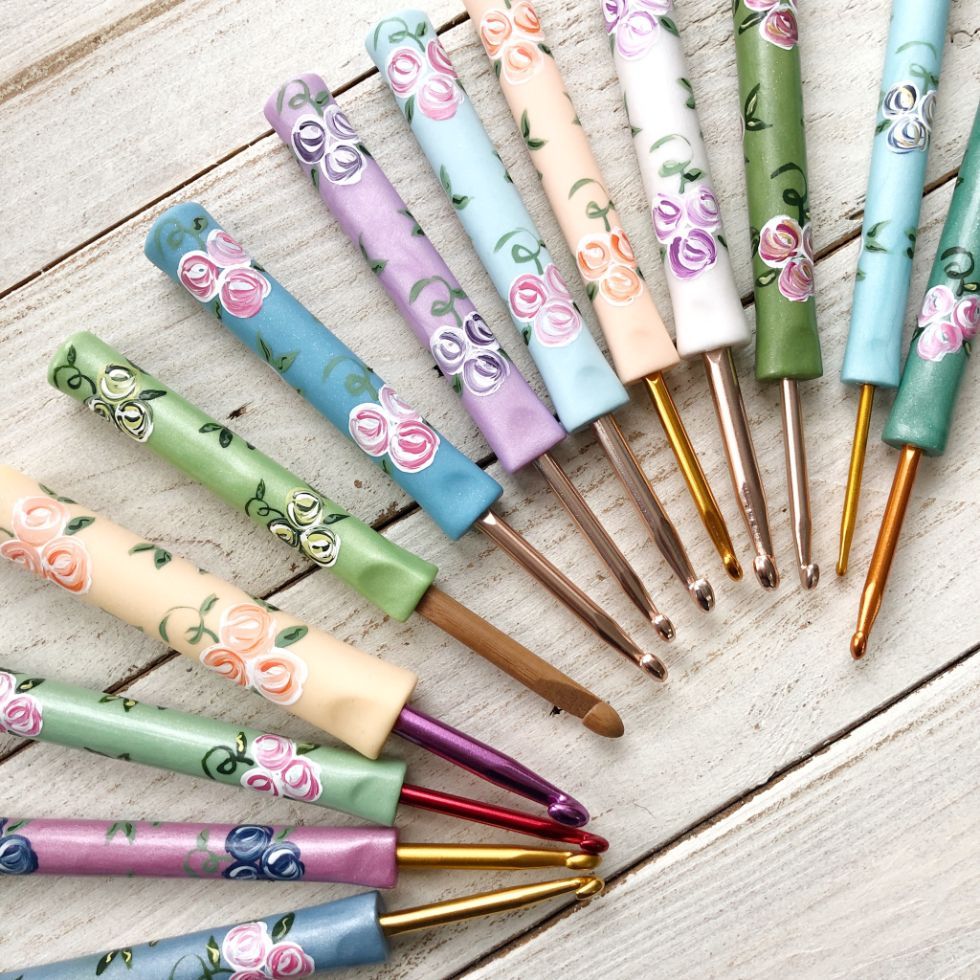 floral crochet hooks handmade by Pedro's Plaques