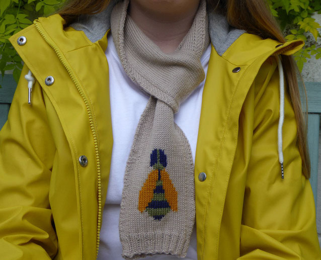 knitted bee scarf by Dreamtime Treasure