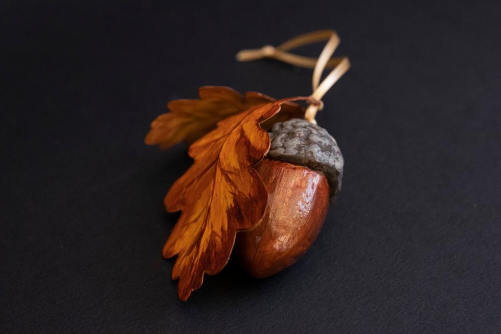 Annie Stothert paper mache acorn decorations