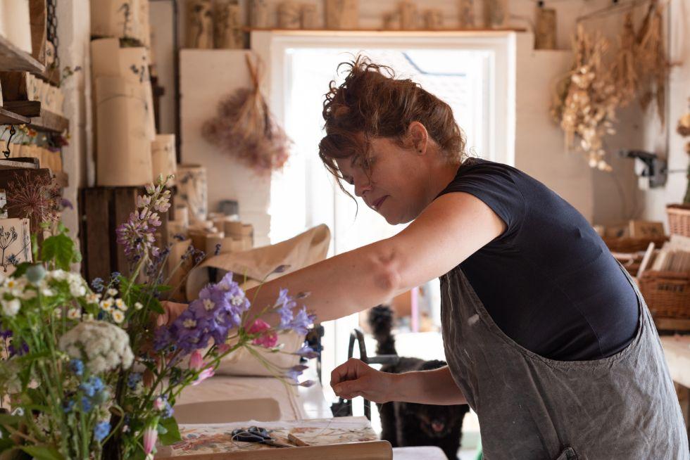 Profile pic of Louise Condon, the Ceramic Botanist